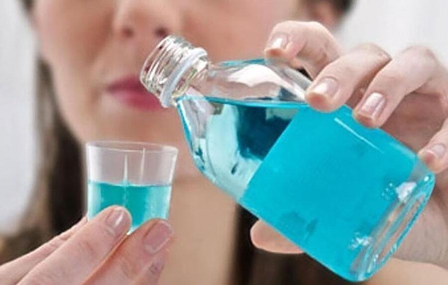 دهانشویه مصرف کنید تا کرونا نگیرید ، جزئیات ادعای جدید محققان