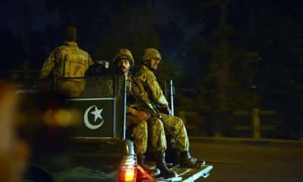 خبرنگاران سه نظامی پاکستان در انفجار تروریستی کشته شدند