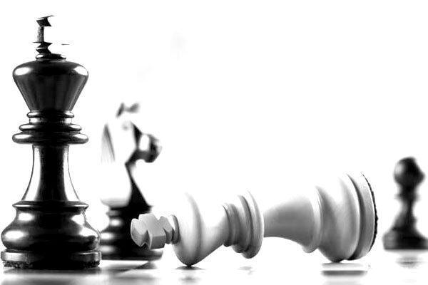 برد قاطع بانوان شطرنج باز در اولین گام